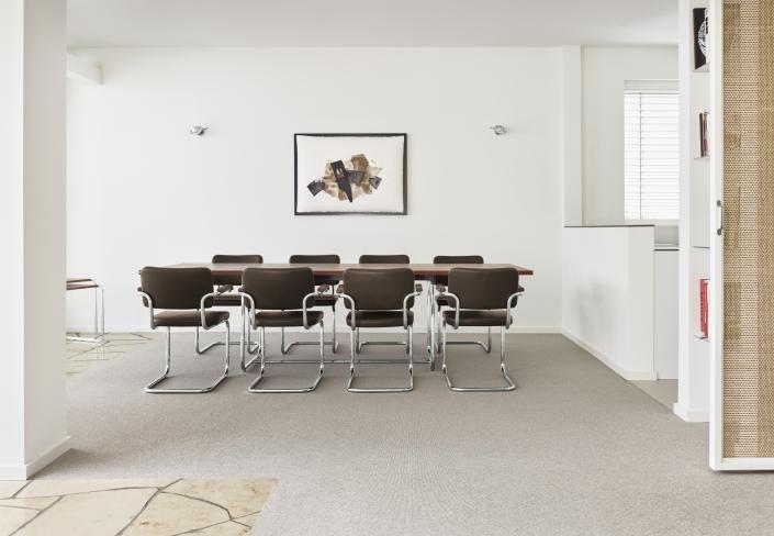 Thonet, Freischwinger. Tisch, Konferenztisch, Meeting, Konferenzmöbel, Konferenzstuhl, repräsentativ, Design, S 64, S 1070