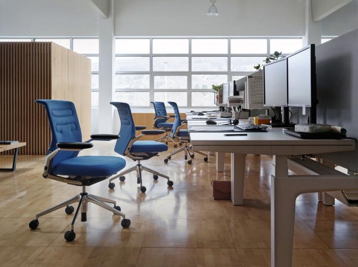 Vitra, Büro, Schreibtischstuhl, Bürodrehstuhl, Büroeinrichtung, Bürokonzept, AC 5 Work Lowback, Schreibtisch
