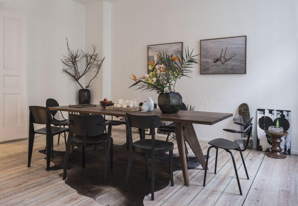 Vitra, Chair Collection, EM Table, Esstisch, All Plastic Chair, Standard Chair, Wire Chair, Stühle, Esszimmerstühle, Holztisch