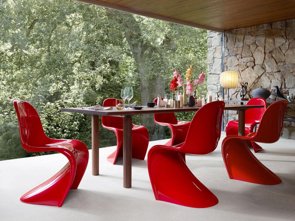 Vitra, Panton Chair, Classic Wood Table, Design, Klassiker, Ikone, Stuhl, Esszimmerstuhl, Esszimmertisch, Esstisch, Esszimmereinrichtung, Statement, Retro, knallig, bunt
