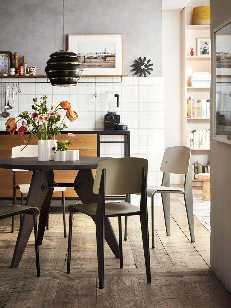 Vitra, Küchentisch, Esstisch, Prouvé Standard Chair, Guéridon Table, Deisgn, Möbel, Küche, Essimmer, Klassiker